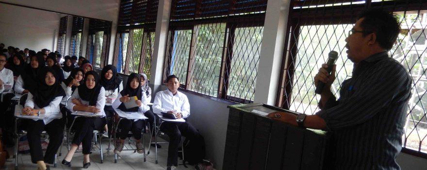 Peningkatan kompetensi diploma melalui praktek kerja lapangan