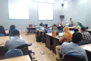 Pakar e-Learning University of Leicester Jadi Narasumber Workshop Untan